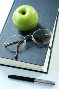 book-and-applewoodsy