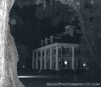 Ghost orbs at Houmas House (Louisiana)