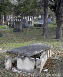 Open, above-ground grave in Austin, TX